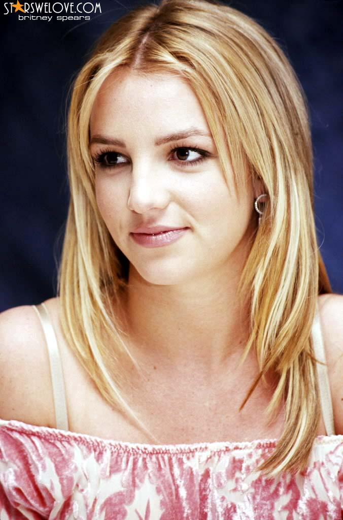 Britney Spears photo (britney_spears068, 676 x 1024 pixels, 84 kB)