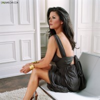 catherine_zeta_jones_douglas017