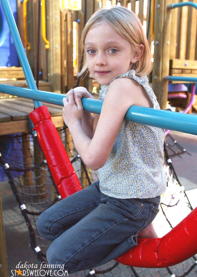dakota fanning picture 3 (photo gallery 1)