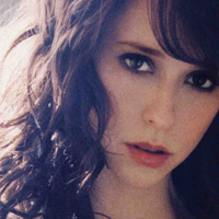 Contact Jennifer Love Hewitt