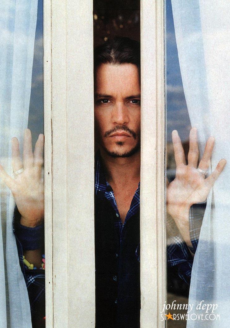 Johnny Depp photo (johnny_depp013, 742 x 1058 pixels, 144 kB)