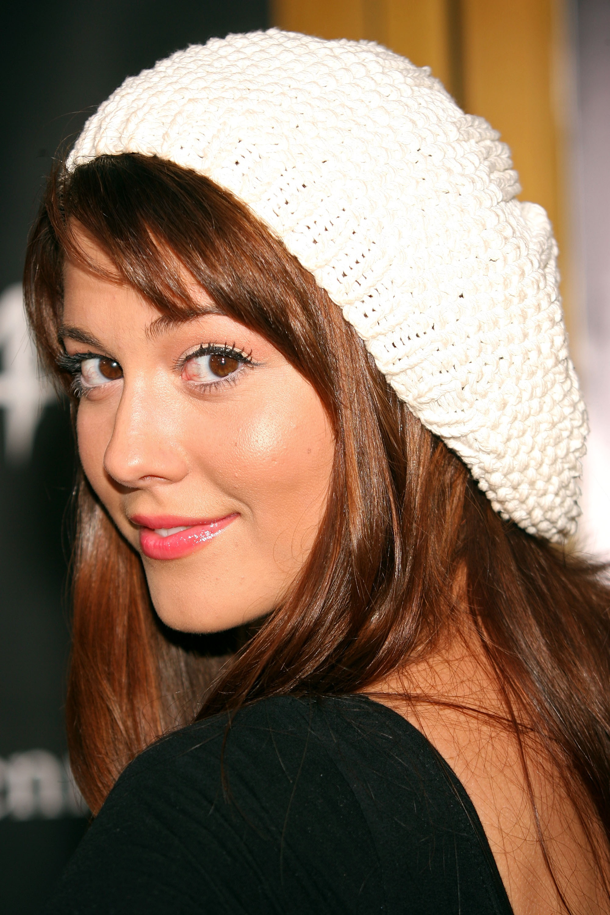 Mary Elizabeth Winstead photo (mary_elizabeth_winstead020, 2000 x 3000 pixels, 968 kB)