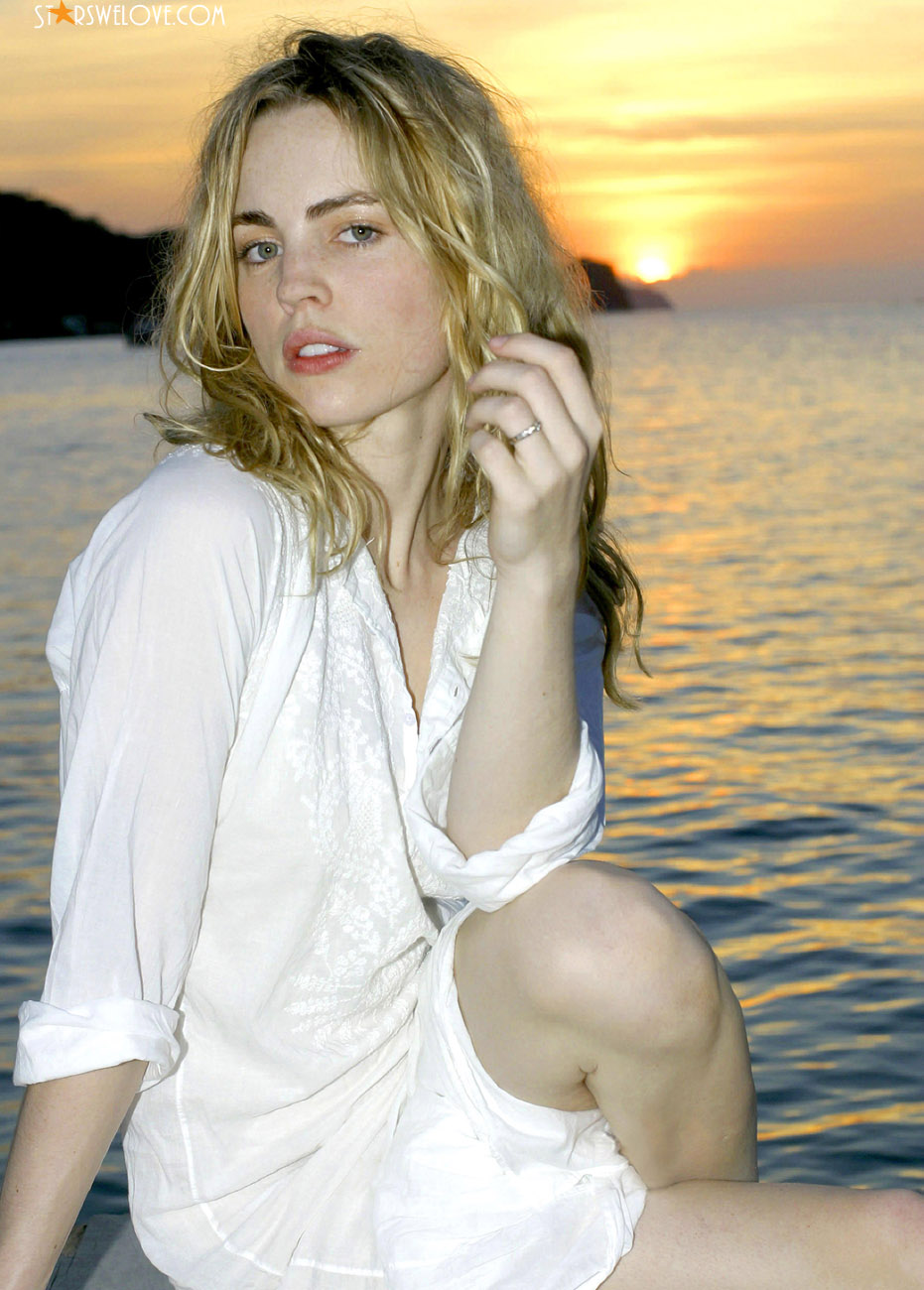Melissa George photo (melissa_george029, 931 x 1300 pixels, 230 kB)