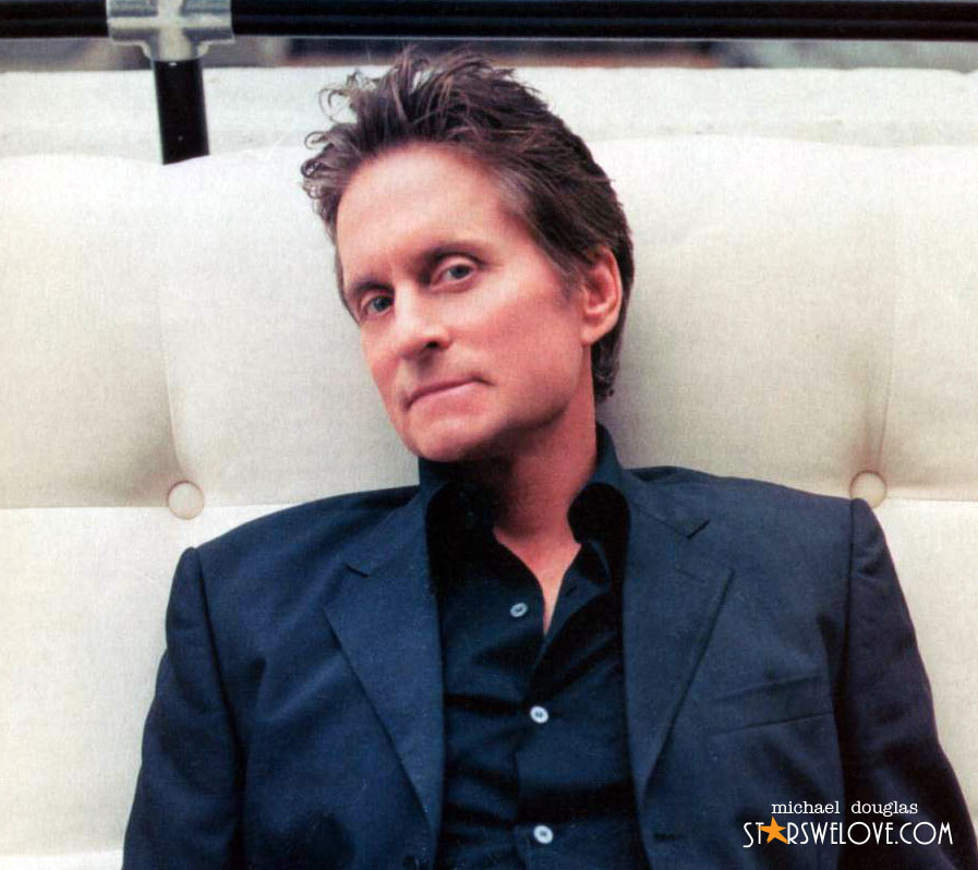 Michael Douglas wallpaper (michael_douglas002, 897 x 798 pixels, 123 kB)