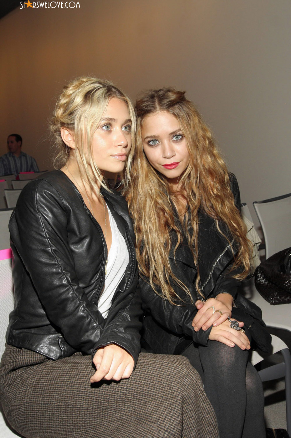 Olsen Twins photo (olsen_twins039, 933 x 1400 pixels, 296 kB)