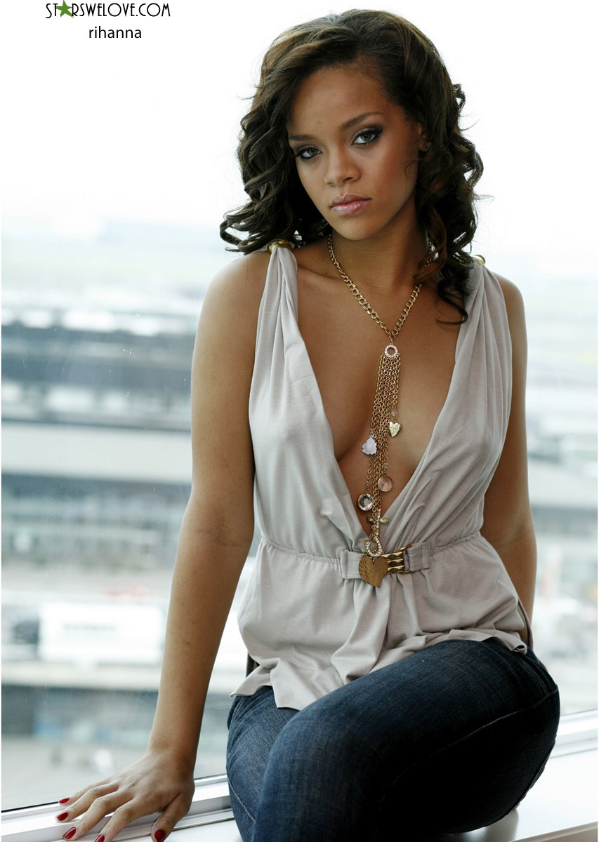 Rihanna photo (rihanna025, 853 x 1200 pixels, 199 kB)